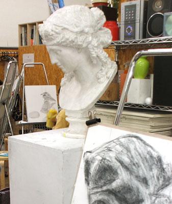 石膏像も新しくチェンジ。